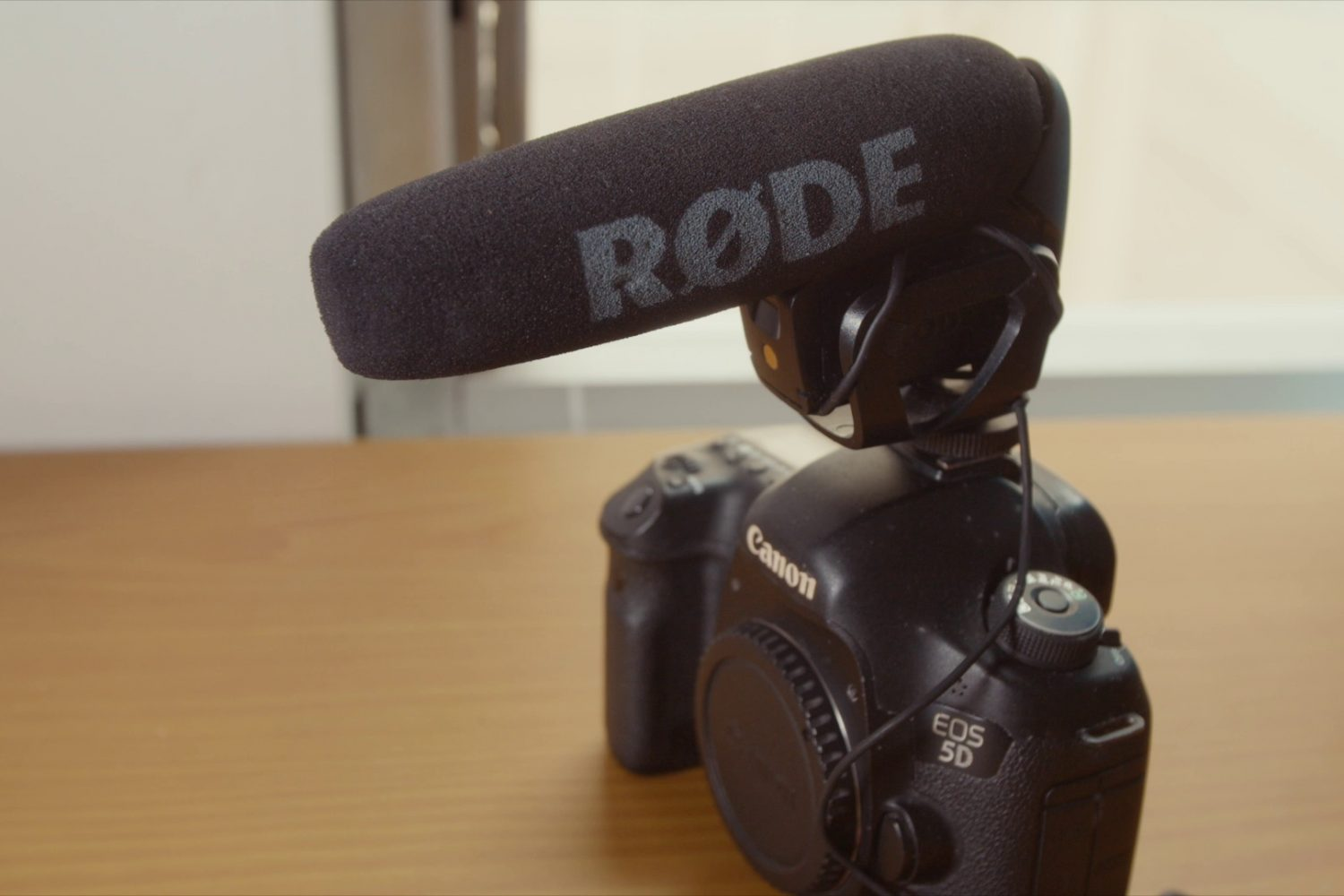 Compact Directional Microphone on DSLR